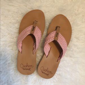 Reef Cushion blush pink sandals size 9